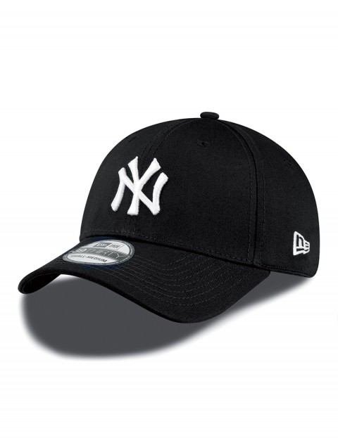 New Era 39Thirty MLB NY Yankees Cap in Black/White