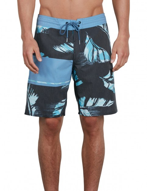 Volcom 3 Quarta Stoney 19 Mid Length Boardshorts in Black