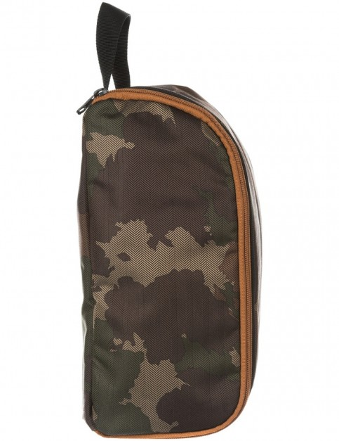 Animal Forrest Wash Bag in Camo Green