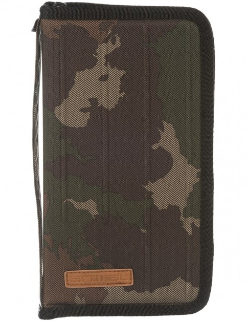 Animal Trail Pouch in Camo Green