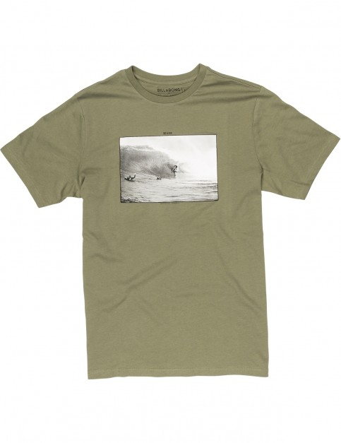 Billabong Cliffs Short Sleeve T-Shirt in Olive
