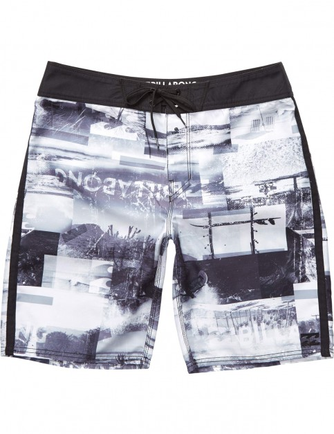 Billabong Horizon Mid Length Board Shorts in Black