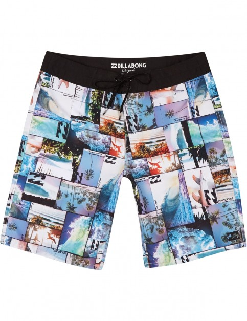 Billabong Horizon Mid Length Boardshorts in Black