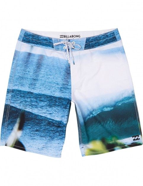 Billabong Horizon Mid Length Boardshorts in Multico