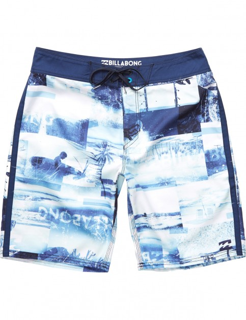 Billabong Horizon Mid Length Boardshorts in Navy