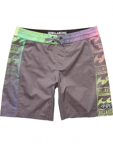 Billabong Re Issue Mid Length Boardshorts in Black