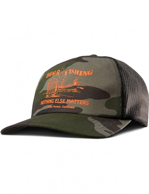 Etnies Beer And Fishing Trucker Cap in Camo