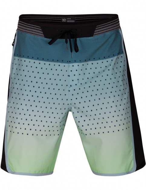 Hurley Phantom Hyperweave Motion Reef 18'' Mid Length Boardshorts in Ocean Bliss