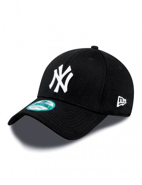 New Era 9Forty MLB NY Yankees Cap in Black/White