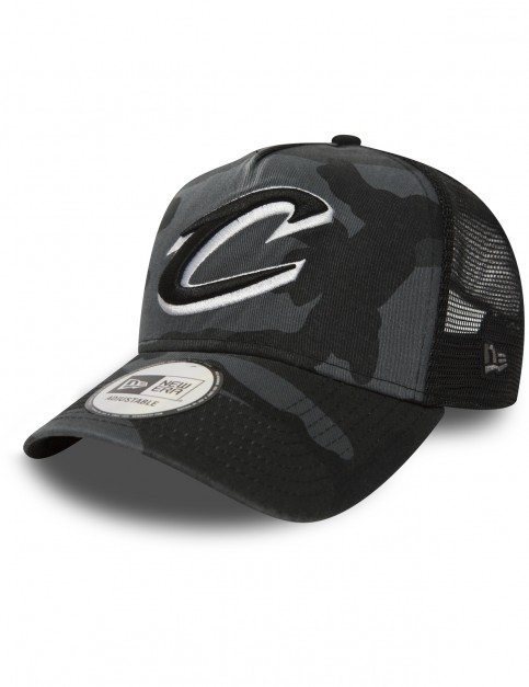 New Era Cleveland Cavaliers Trucker Cap in Midnight Camo