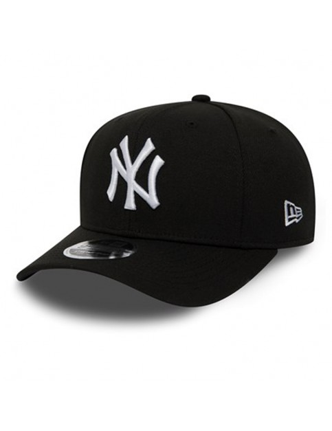 New Era New York Yankees Stretch Snap 9Fifty Cap in Black