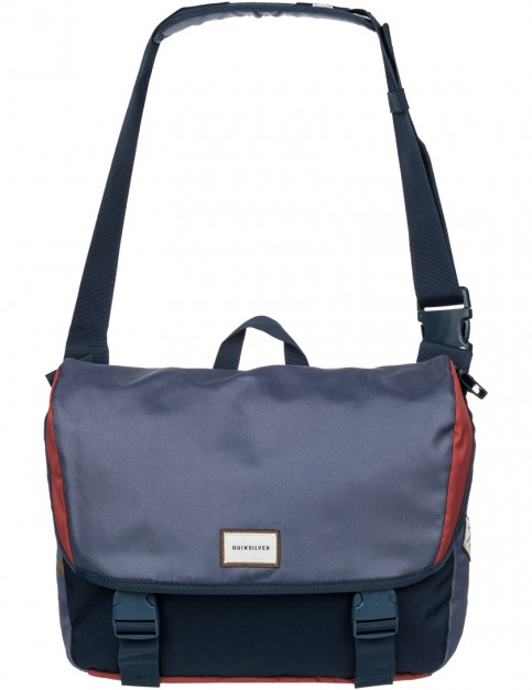 Quiksilver Carrier Laptop Bag in Barn Red