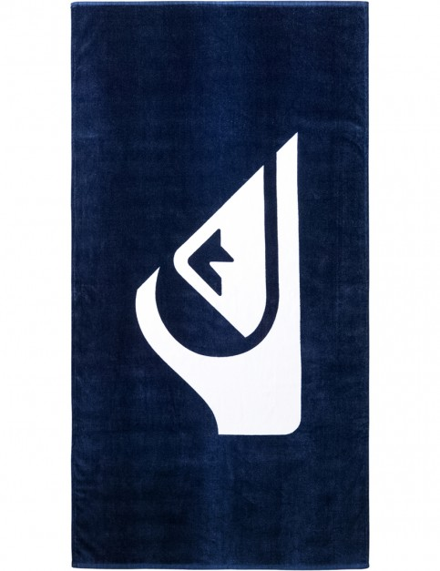 Quiksilver Chilling Towel in Estate Blue