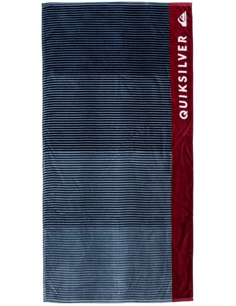 Quiksilver Freshness Beach Towel in Brick Red