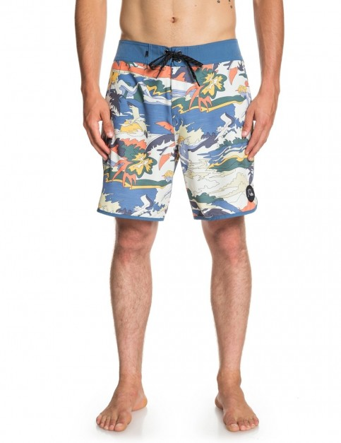 Quiksilver Highline Feelin Fine 18 Mid Length Boardshorts in STELLAR