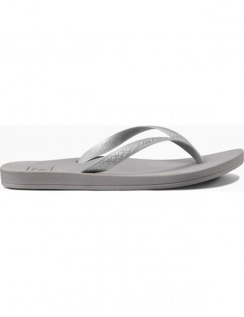 Reef Escape Lux + Flip Flops in Silver