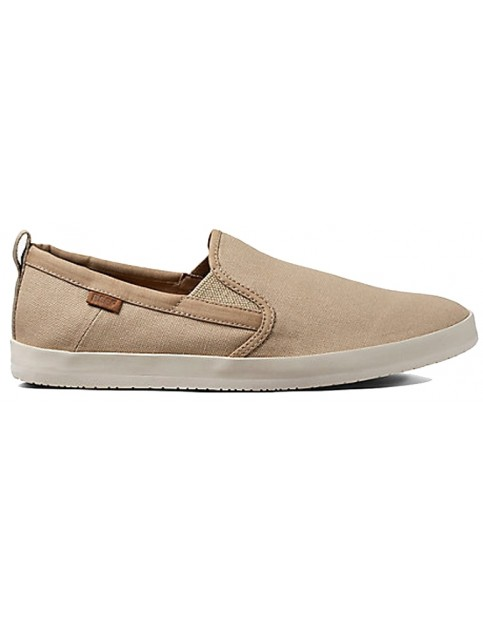 Reef Grovler Trainers in Khaki