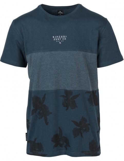 Rip Curl Blocking Surf Short Sleeve T-Shirt in Midnight Navy