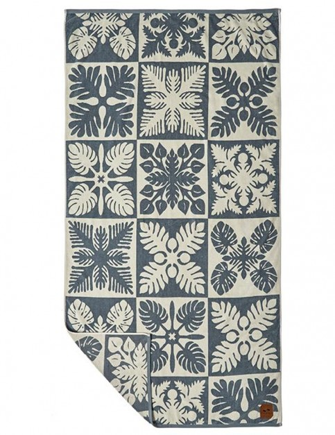 Slowtide Kapena Beach Towel in Navy
