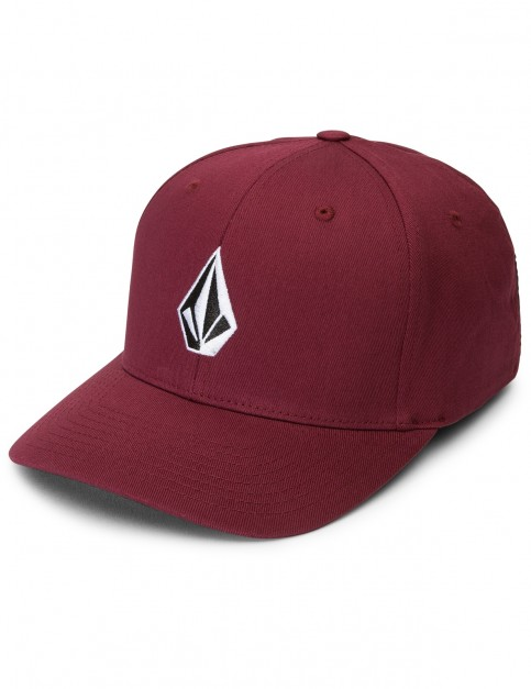 Volcom Full Stone Xfit Cap in Crimson